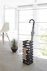 Brick sateenvarjoteline, musta