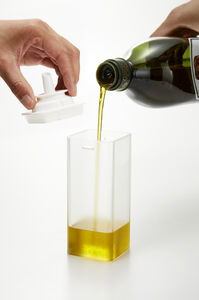 Tower öljypullo 250 ml valkoinen